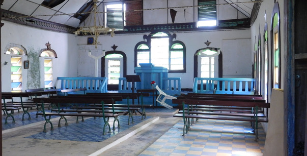 Edina Baptist Church interior.