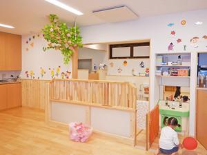 保育室のツリー|園舎の設計