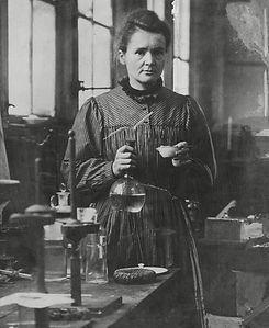 Curie Headshot.jpg