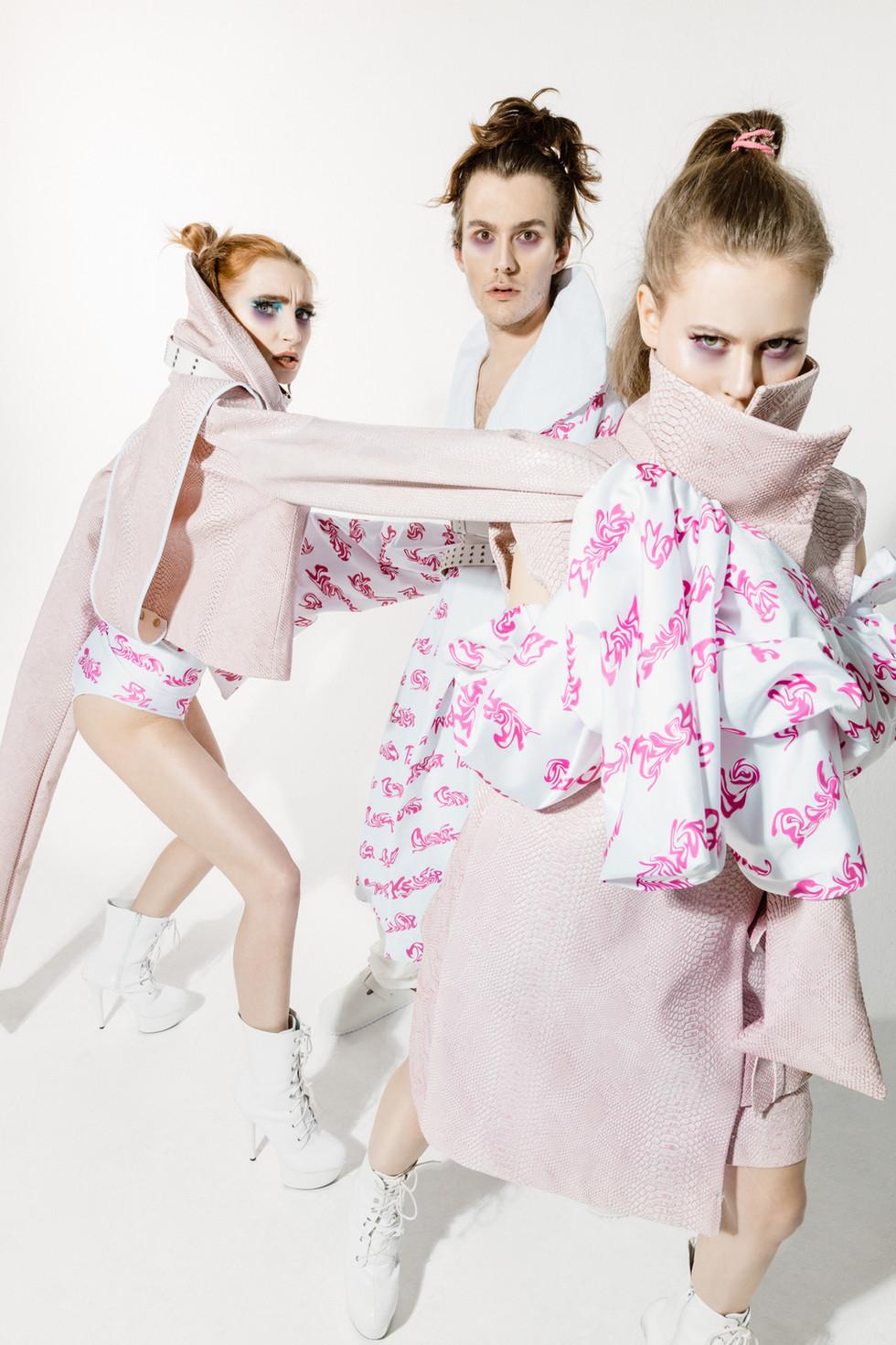 Psycho_Barbie_Low Res_Zensiert-5.jpg