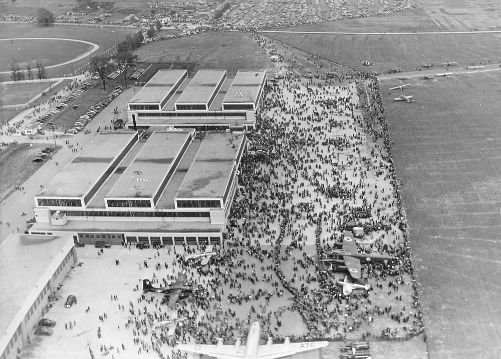 A public airshow at Downsview in 1946