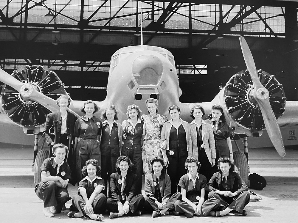 A team of workers at the de Havilland plant