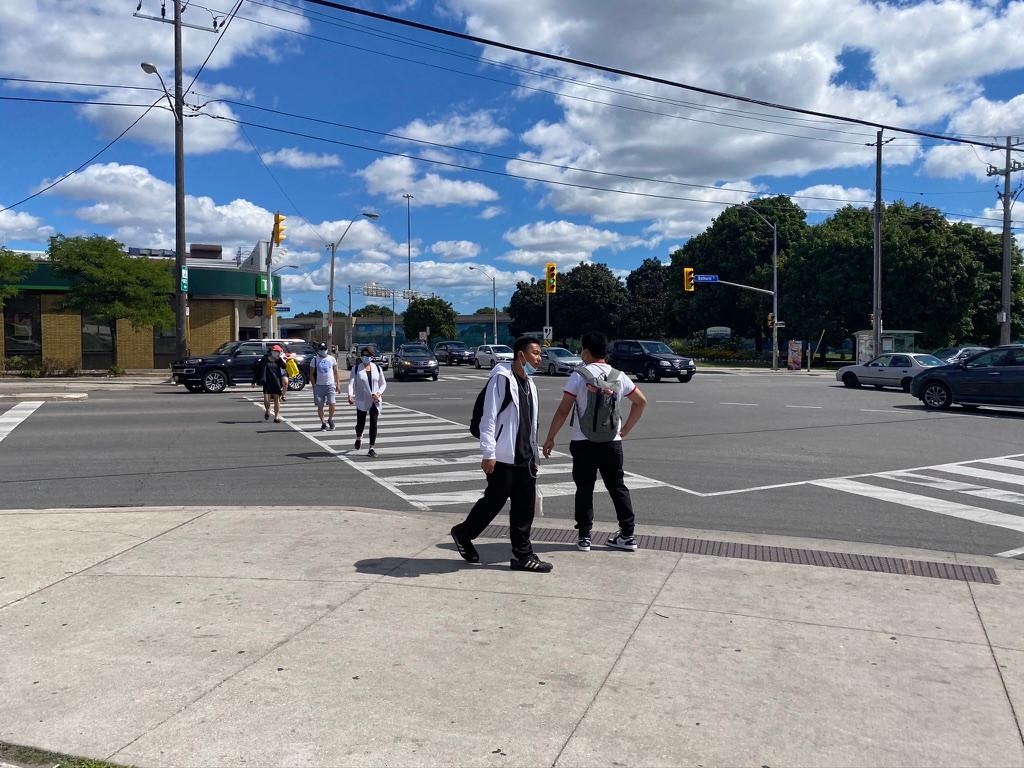 wide radius turns with pedestrians.jpeg