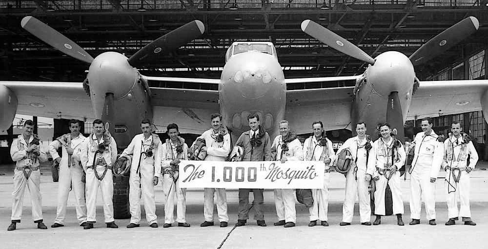 Pilots in front of de Havilland's 1000th Mosquito