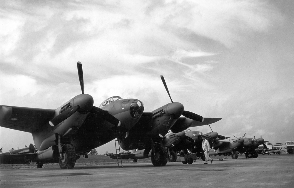 """""""The plane that won WWII:"""" the de Havilland Mosquito"""