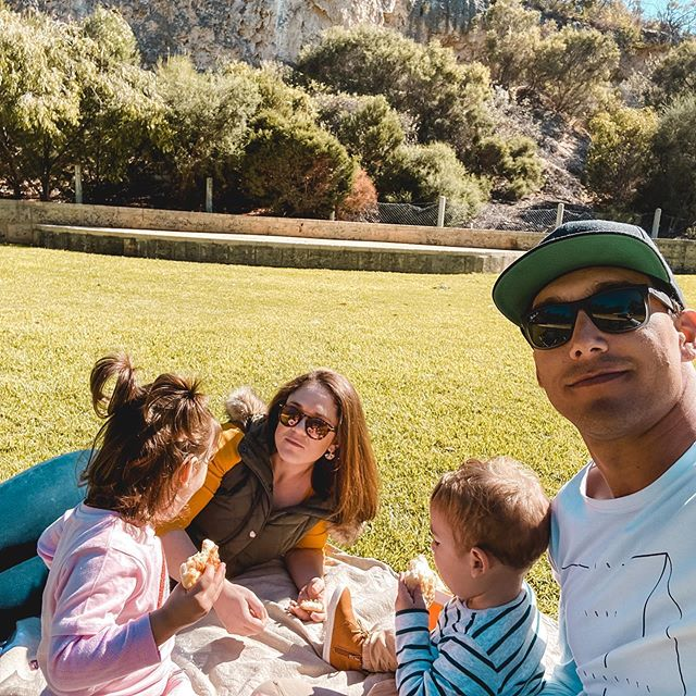 A simple picnic with the ones you love..