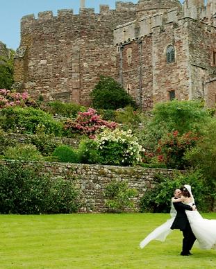 wedding-berkeley-castle.png