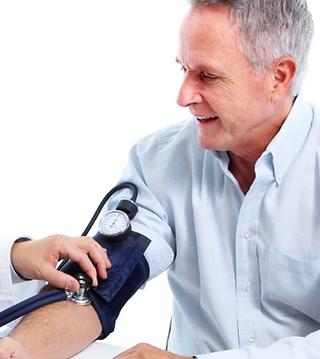 Trevor Larence Hip & Knee surgeon - pre-op assessment2