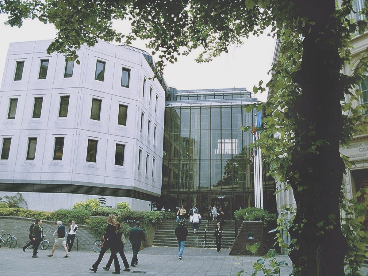 0_county-hall-chelmsford_edited