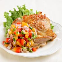 チキンの彩り野菜ソースがけ