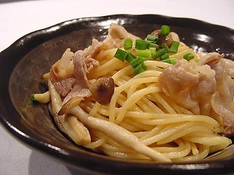 きのこと豚肉のパスタ.png