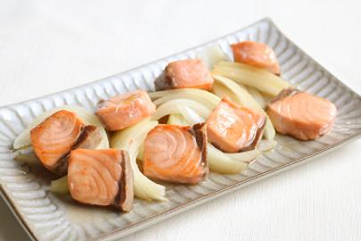 鮭と玉ねぎの甘酢照り焼き.png