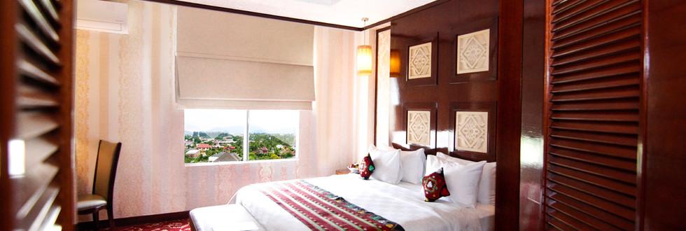 President suite bed room.jpg
