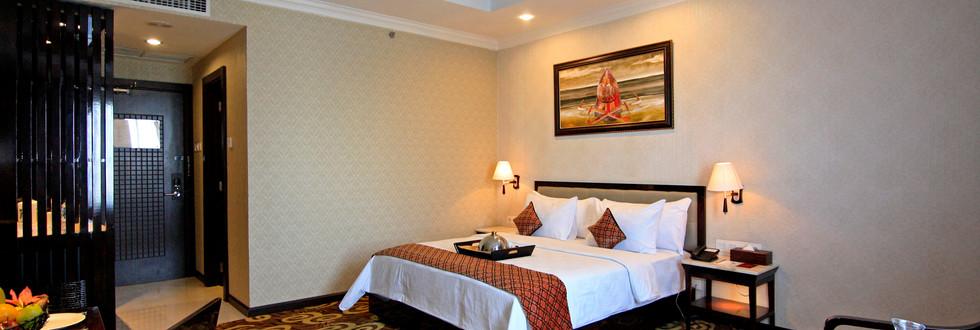 Deluxe-Room2.jpg