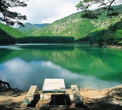 Borabay Gölü