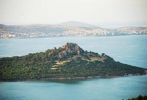 Tımarhane Adası