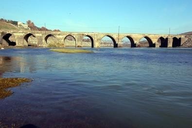 Dicle Köprüsü