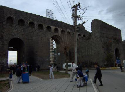 Tarihi Mardin Kapı