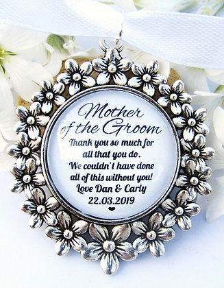 Mother Of The Groom 'Thank You' Bouquet Charm Flower Surround