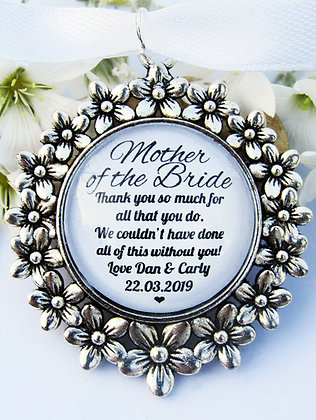 Mother Of The Bride 'Thank You' Bouquet Charm Flower Surround