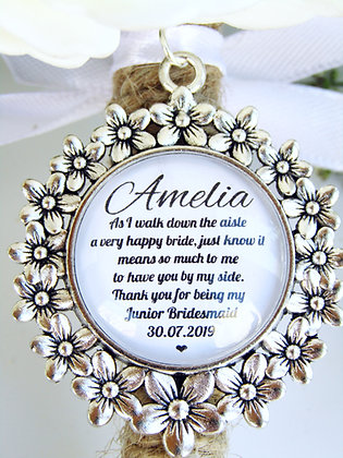 Junior Bridesmaid 'Happy Bride' Quote Bouquet Charm Flower Surround