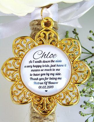 Matron Of Honour 'Happy Bride' Quote Bouquet Charm Gold Flower Surround
