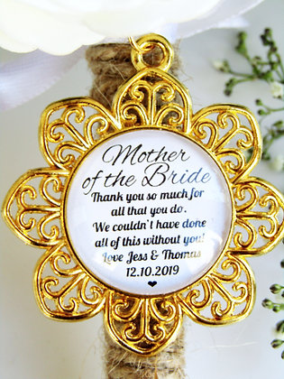 Mother Of The Bride 'Thank You' Bouquet Charm Gold Flower Surround