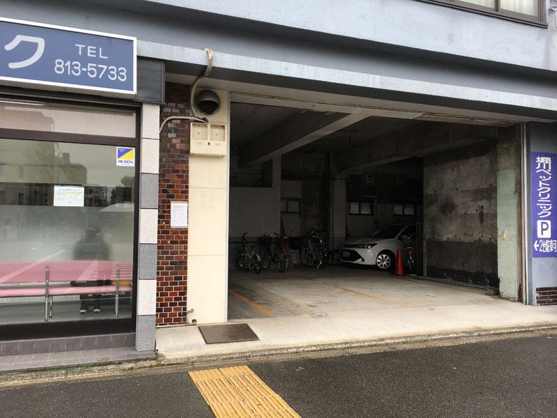 堀川通沿い駐車場