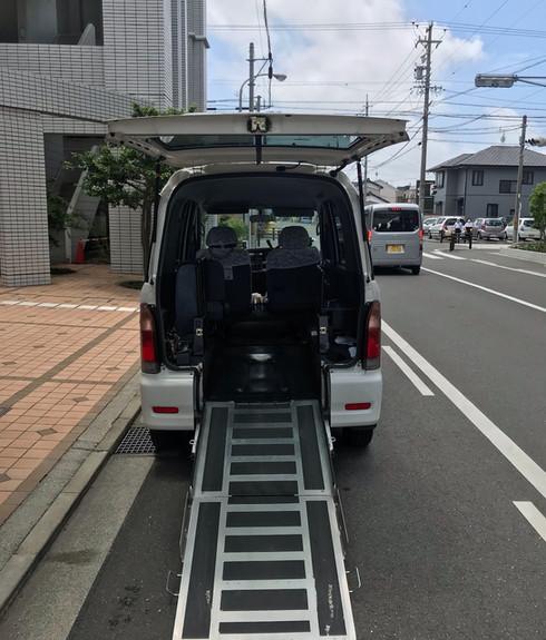 車両 スロープ