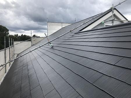 塗装工事中の屋根