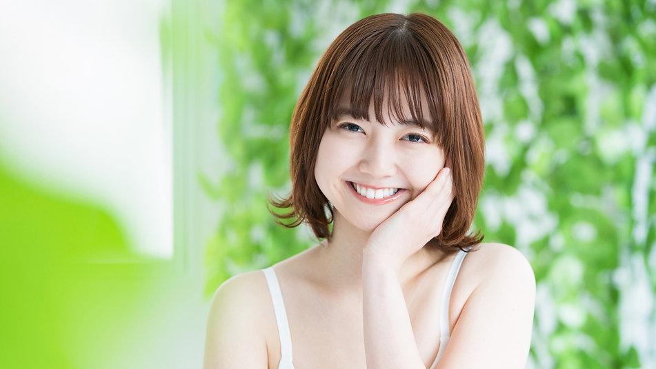 笑顔の女性.jpg