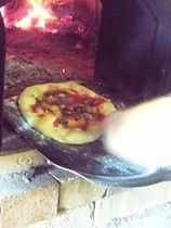 焼き上がったピッツァ