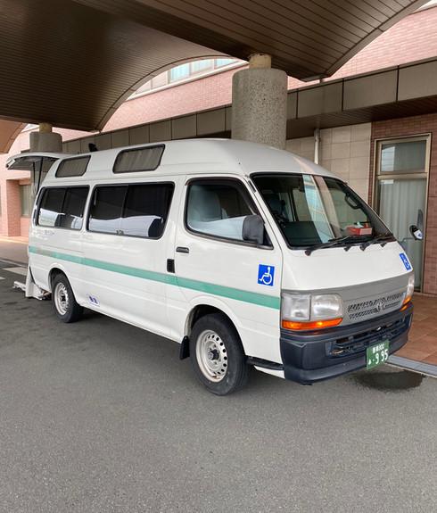 福祉タクシー 背面
