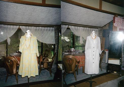 黄色い服と白い服