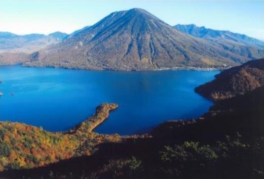 奥日光 中善寺湖と男体山