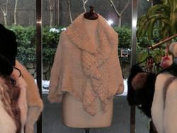 ハヤカワ毛皮  ショール1(横)