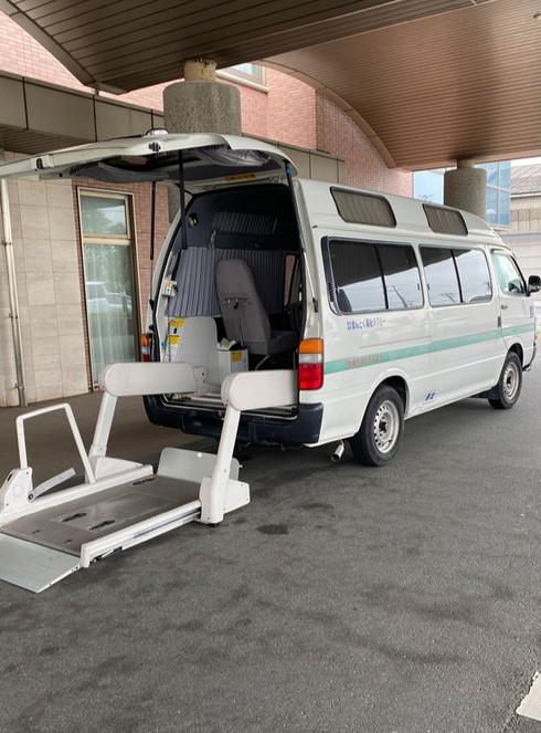 福祉タクシー リフト