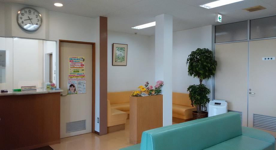 川村医院 待合室