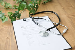 聴診器と問診票