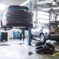 車整備工場