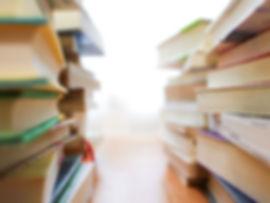 大量の書籍が部屋を占拠