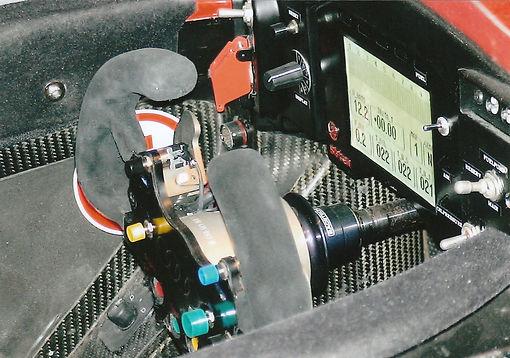 レーシングカアウディR8Rコックピット