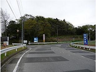 印旛霊園道路入口