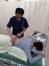 柳澤鍼灸治療院 治療中