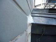 屋根と壁部分の劣化、破損