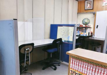 第2教室(個別指導及び自習室用)