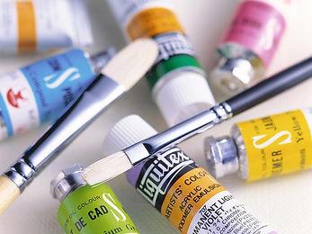 会社案内の塗料と筆