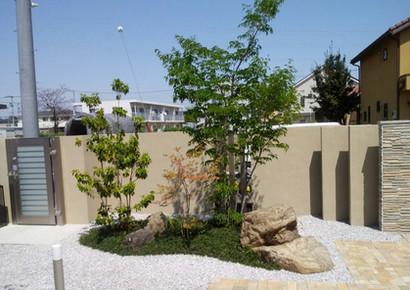 石を使った庭