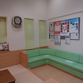 みどりヶ丘クリニック待合室02