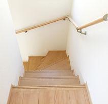 階段の手摺取付